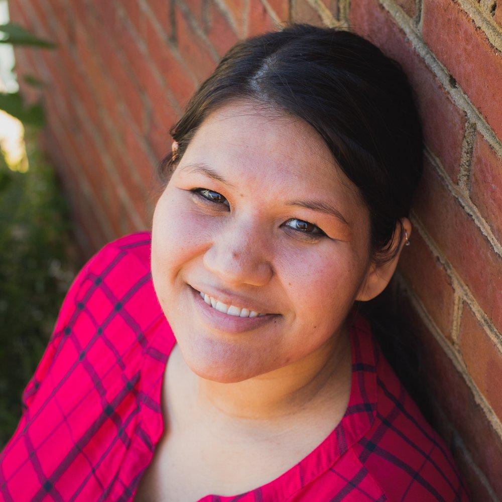 Creative Entrepreneur Vanessa of Pursue Simple Joy