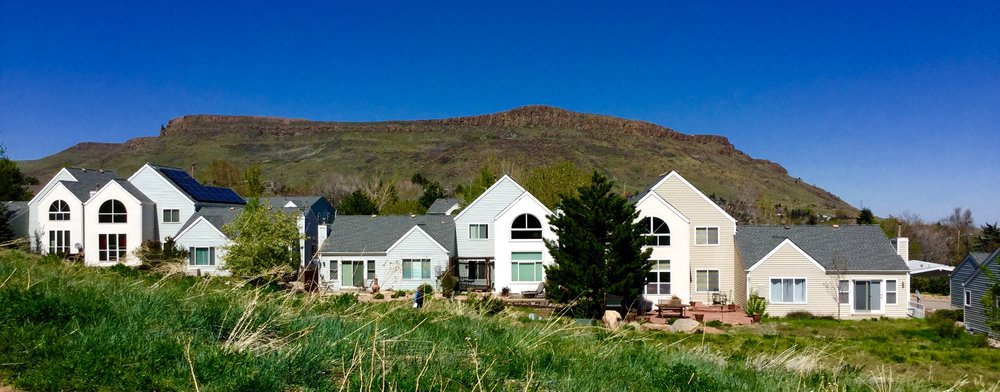 Canyon Point Villas townhome style residences in Golden, Colorado. Views of North Table Mountain in the background.