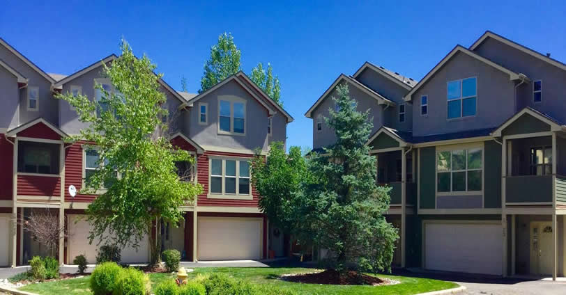 Skyline Townhomes boasts a collection of 17 contemporary Townhome properties in an ideal location in Golden, Colorado