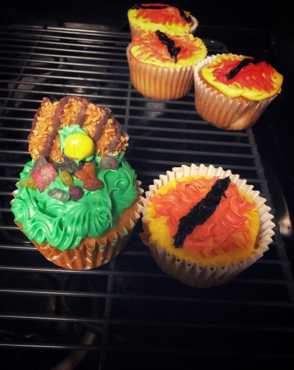 lotr-hobbit-cupcakes.jpeg