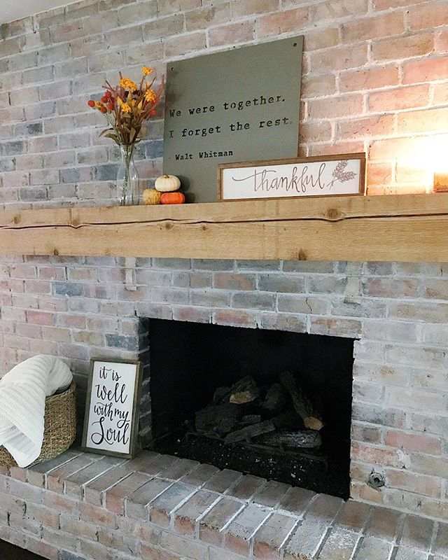 We adore seeing our clients spaces come together. So thankful for all the love from loyal customers ❤️ . . . #elizacodesigns #woodsigns #dallascalligrapher #dfwcalligraphy #rusticsign #makersgonnamake #moderncalligraphy #thankful