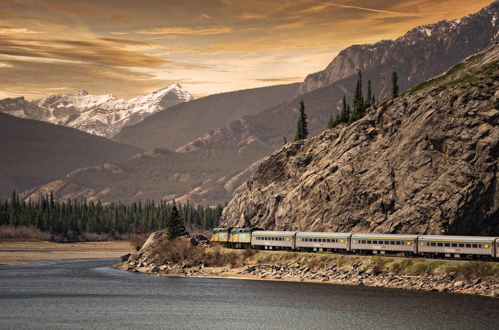 VIA_Train_11_Mod_2_sRGB_h11.jpg