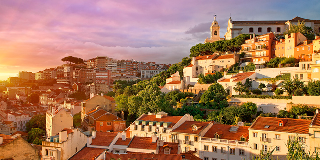 CC_Lisbon_Old_Town_Sunset_RM_650x325_tcm22-59332.jpg