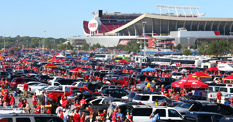 chiefs-tailgating-arrowhead-04.jpg