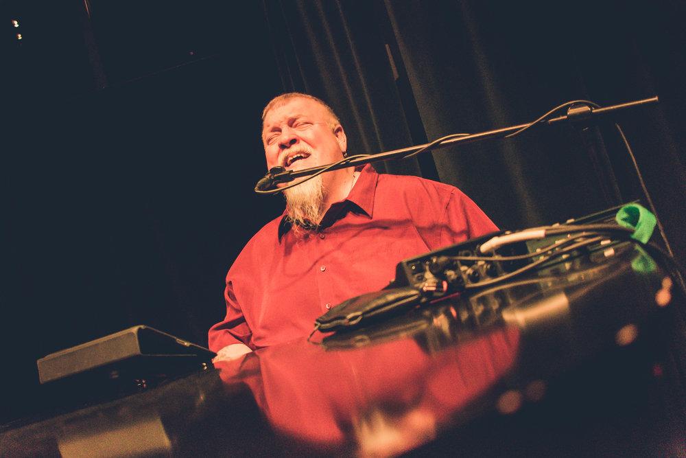 Tom Basler Tulsa Dueling Pianist 2.jpg