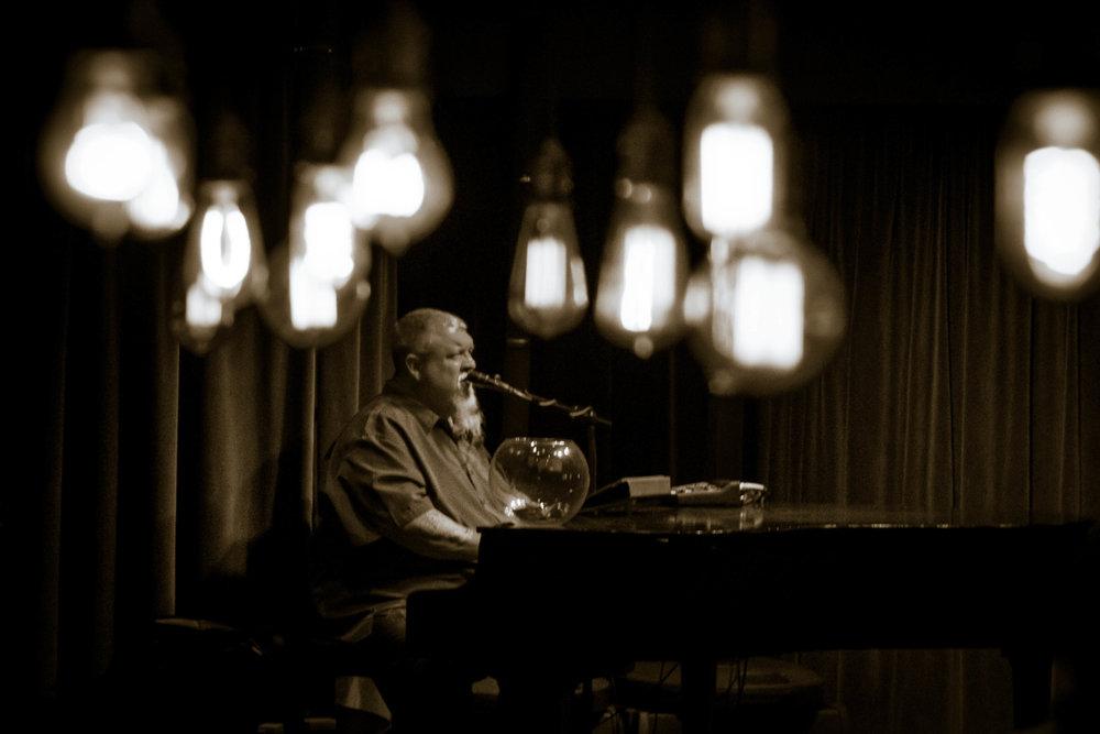 Tom Basler Tulsa Dueling Pianist 7.jpg