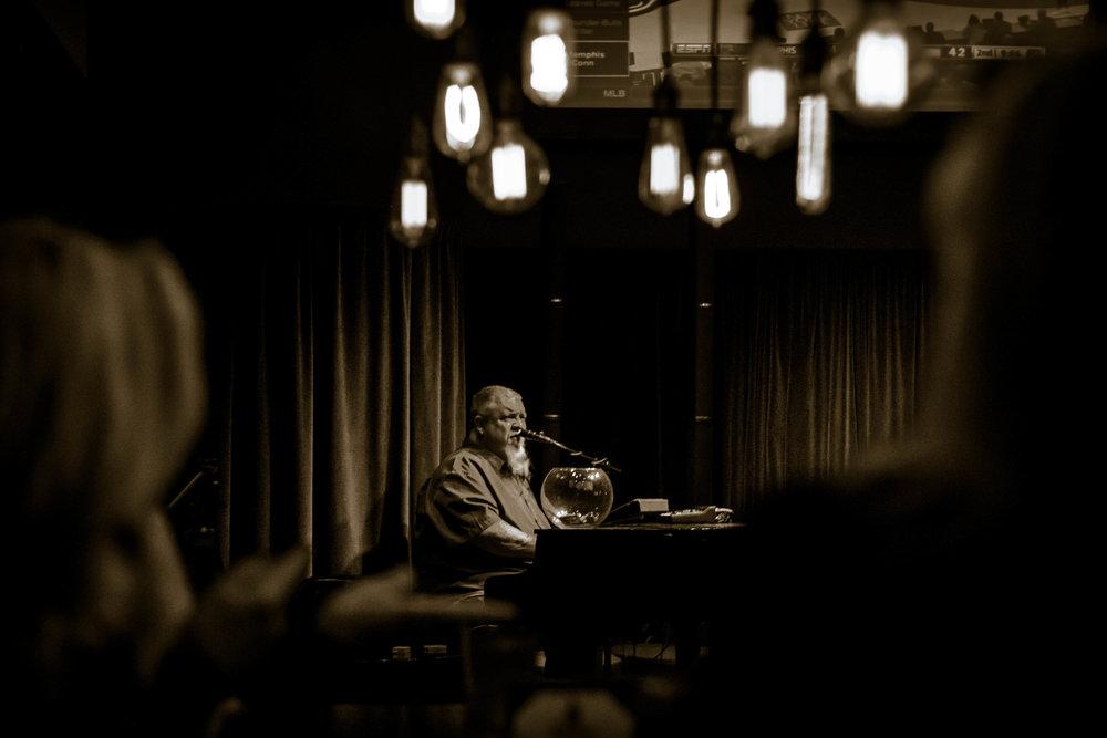 Tom Basler Tulsa Dueling Pianist 8.jpg
