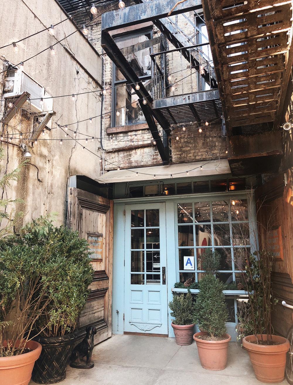 Freemans-Restaurant-NYC-blue-door-alley