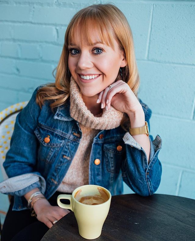 More coffee please ☕️ . . . . . . #tuesdayfeels #coffeeaddict #tuesdaymotivation #coffeetime #coffeeshop #capitalhill #jeanjacket #turtleneck #bangs #springlooks #spring #denverblogger  #fashionblogger #fashionista #sipswithstyle #denverstyle #whatiwore #ootd 📸: @jenna.sparks.photography
