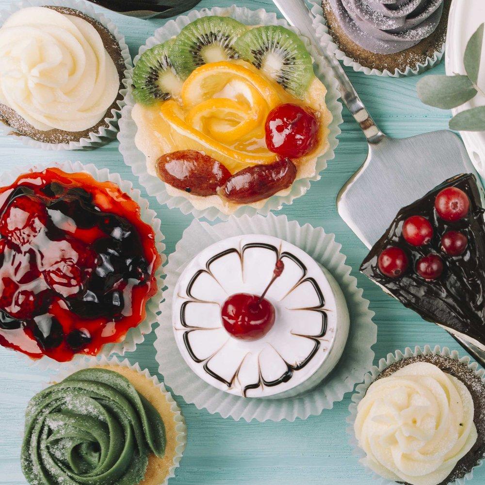CAKES & DESSERTS -