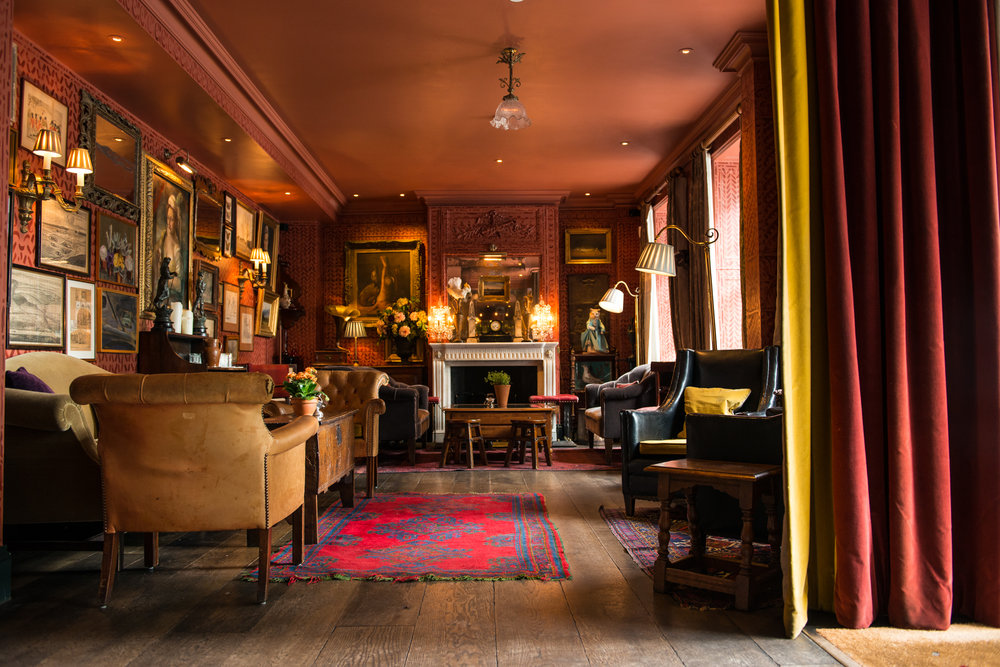 (c) The Zetter Townhouse Clerkenwell, Text: Koral-Leigh Webb