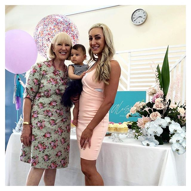 A L E S S I A turns O N E 💕 we had so much fun working with Alessia's mummy @livingbeautyamelia to bring her Mermaid vision to life for her special little girl 🧜🏻‍♀️ 💕 How did we help her with all the little details? We provided the following services // We plan, you relax + On The Day Event Coordination & Styling along with our Crystal Look Cake Stands 💕💜 #partywithalessia #alessiaturnsone #firstbirthday #partydecorations #partytime #eventdecoration #littlegirl #babygirl #one #birthday #happybirthday #thestylistsguideadl