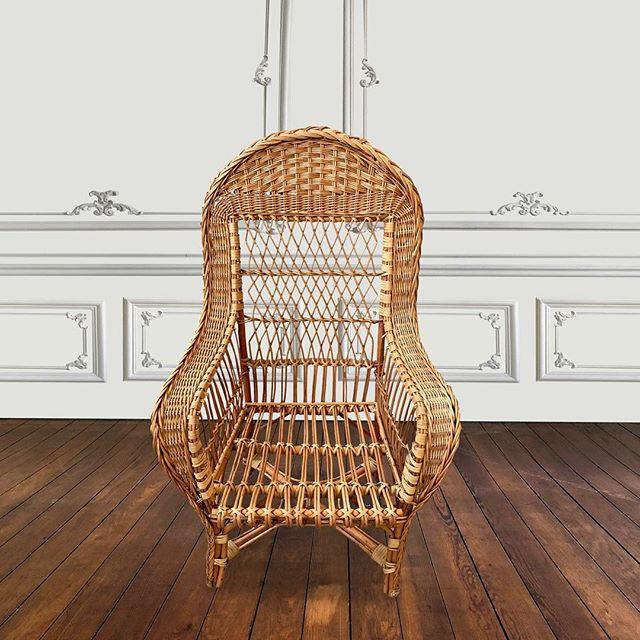 Rotan chair  #interiordesign #uniquefurniture #vintagefurniture #furnituredesign #AFC