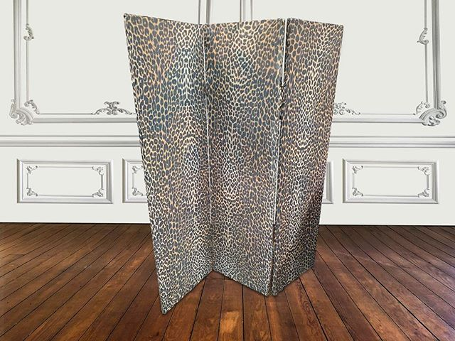 Panther Print Paravent  For those who dare 😏 #eclectisme #uniquefurniture #interiordesign #eclecticinteriors #furnituredesign #paravent #AFC