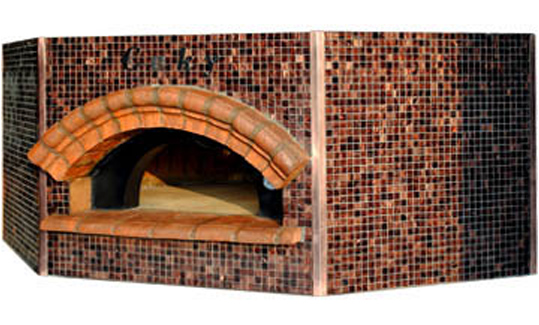Pentagonale   The pentagonal shape keeps the same versatility as the round oven model, with possibility to be inserted into a corner position, without ever giving up the advantage of having a classic covering on all sides of the oven.