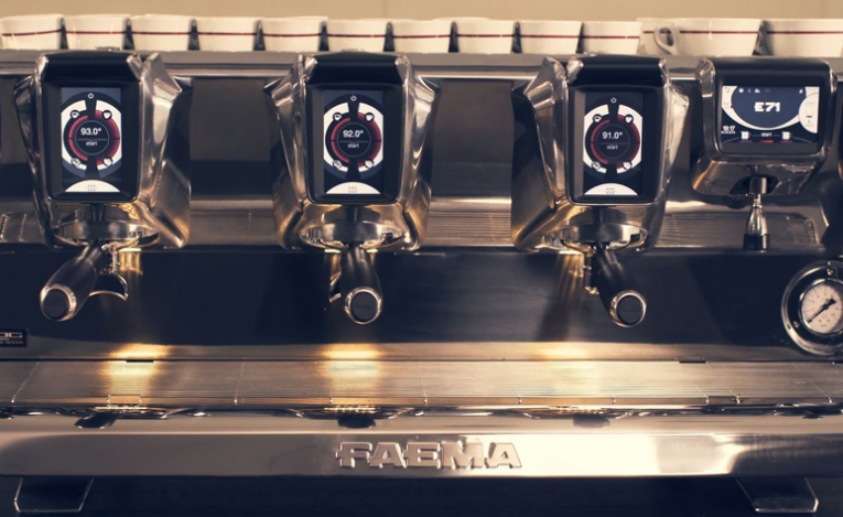 Design - An extraordinary blend of iconic design by Giugiaro Design, cutting-edge technology, and traditional features, it was especially built to provide baristas absolute freedom to express their art.