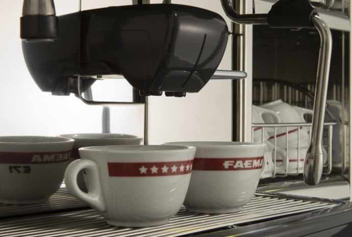 In-the-cup result - The in-the-cup result is guaranteed by Faema's experience in the extraction of espresso coffee, and by the use of technological innovations