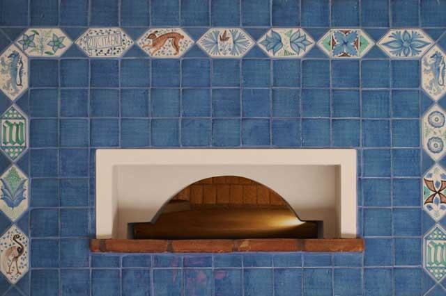 Cotto di Vietri  Handmade glazed and decorated ceramics.