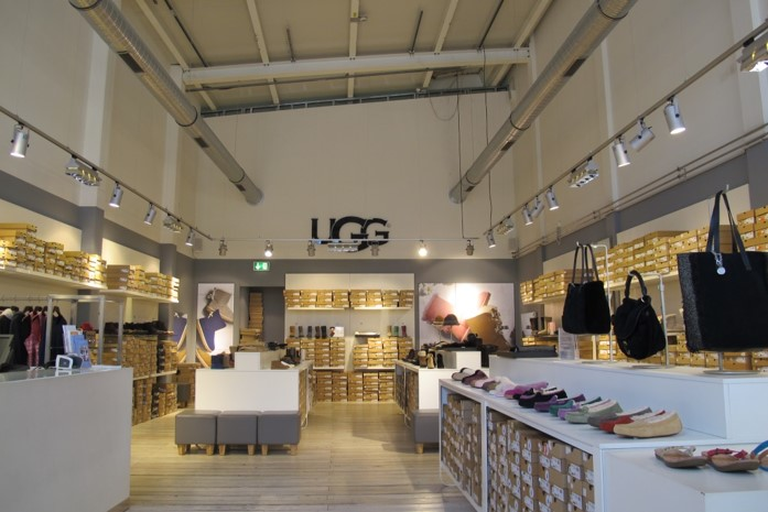 deckers.ugg.retail.architecture01.jpg