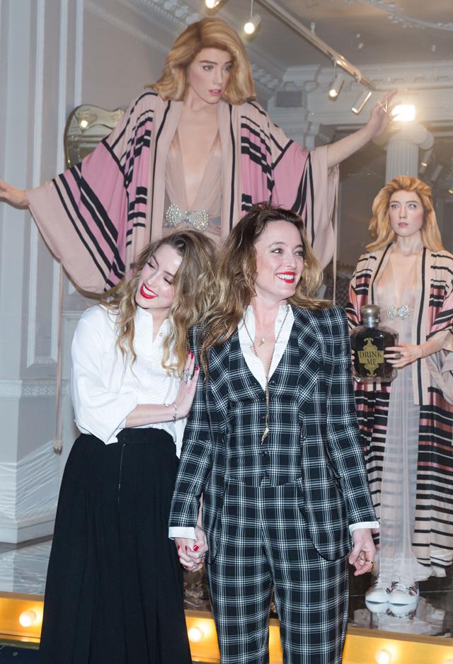 Alice_Temperley_and_Amber_Heard_unveil_4D_Alice_in_Wonderland_window-Martyna Kramarczyk.jpg