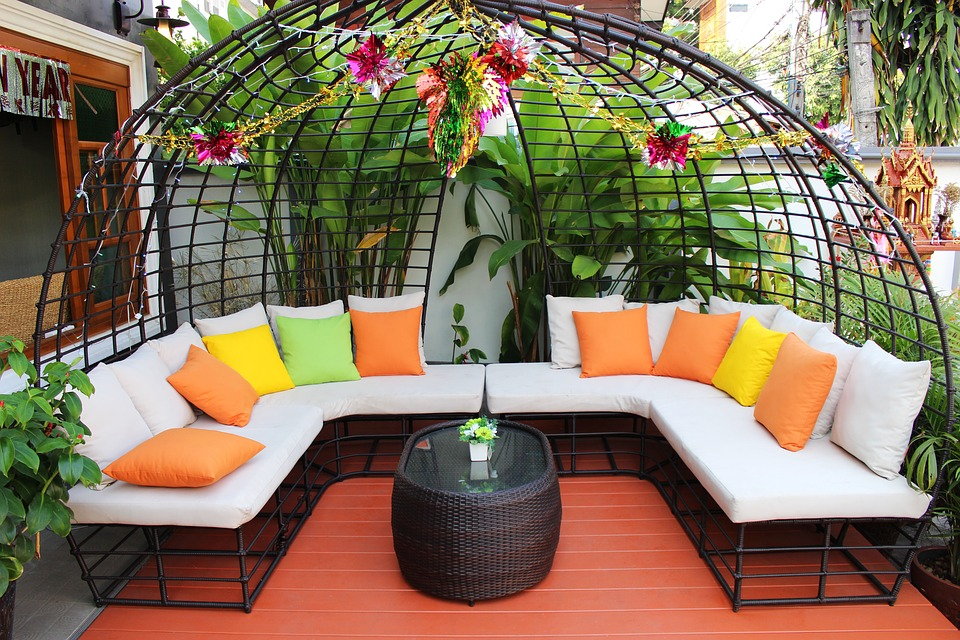 Simple Garden Bench Design Ideas That Will Improve Your Outdoor ...