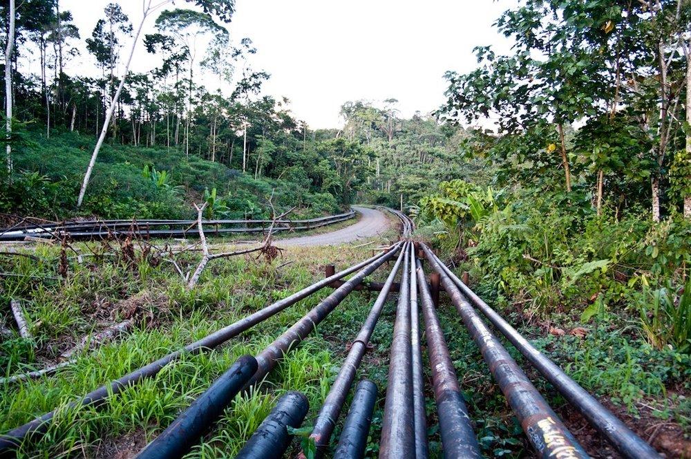 Die Ölstraße Via Pindo in der Provinz Orellana.