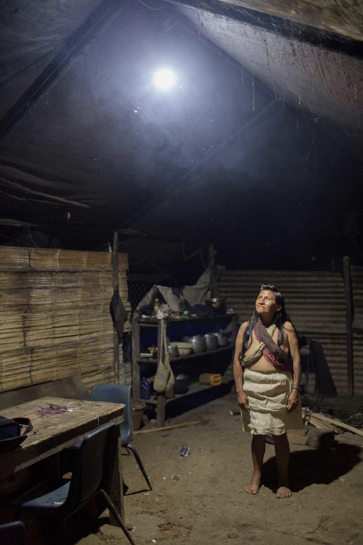 Solar powered light has positively impacted the lives of women and their families, Onguime reports.///Der Zugang zu Licht hat das Leben der Frauen und das ihrer Familien positiv verändert, so Onguime.