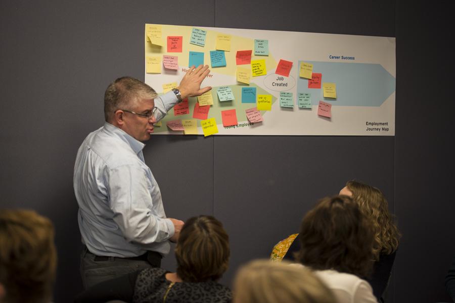 Salons - Nous nous pencherons sur une foule de thèmes et de sujets dans le cadre d'une série de conférences données par des leaders éclairés, des collectifs, des entrepreneurs passionnés et des voix peu entendues qui partageront leurs grandes idées, leur vécu et leur vision de l'avenir.