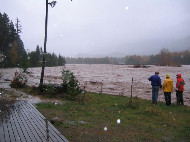 2006 Flood and People.JPG
