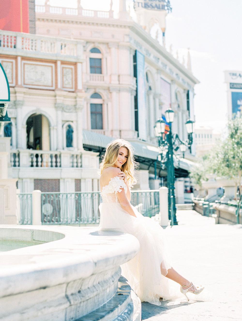 Waking Up in Vegas Editorial- Lisa Silva Photography-51.jpg