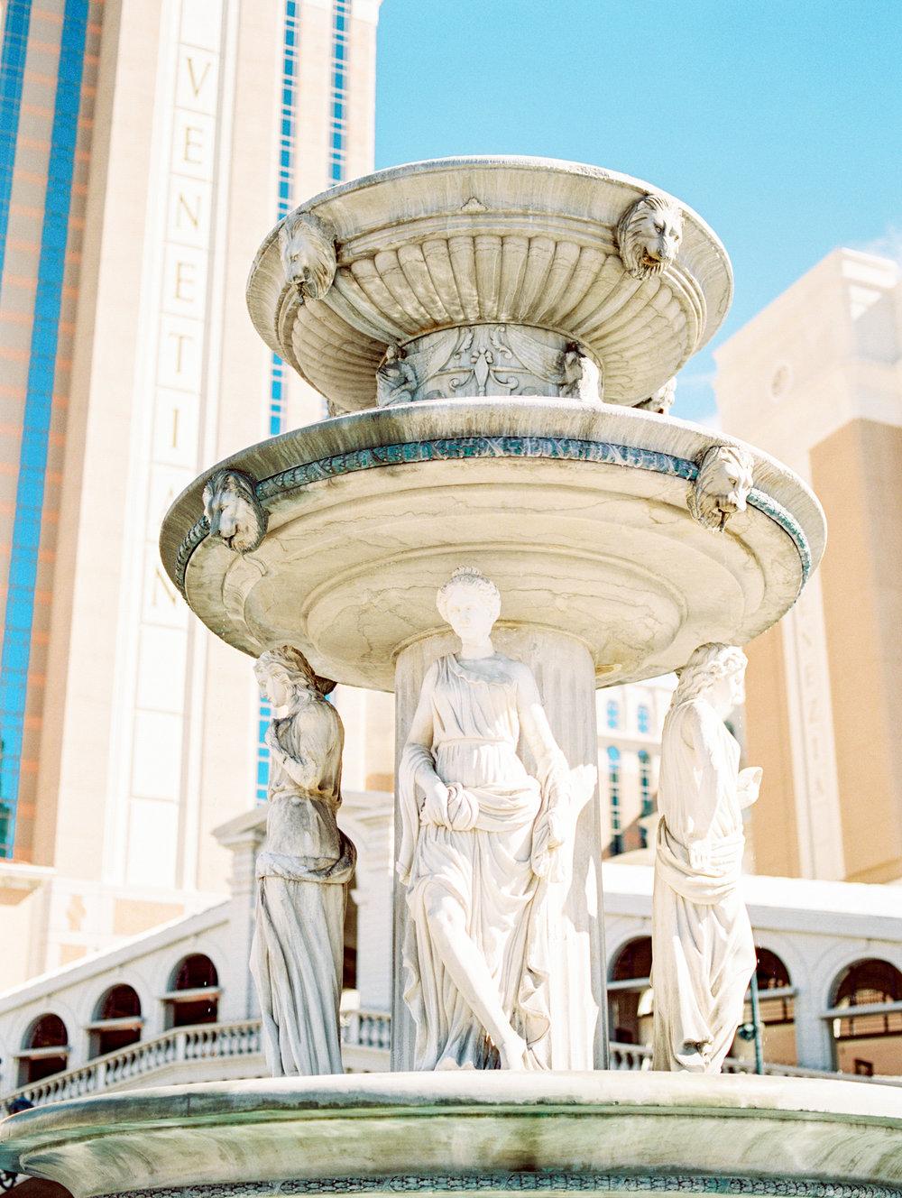 Waking Up in Vegas Editorial- Lisa Silva Photography-61.jpg