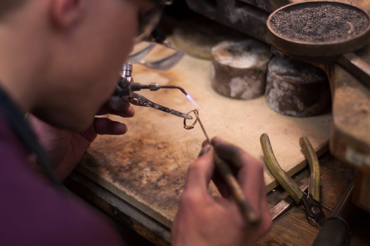 Bench Jeweler