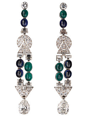 Art Deco chandelier earrings made with platinum, emeralds, sapphires, and diamonds. - By GIA.edu