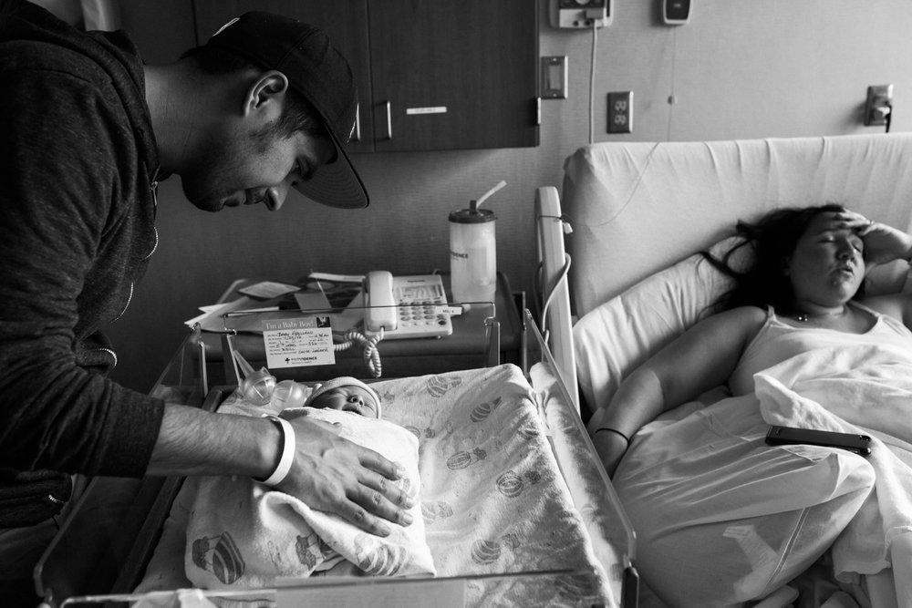 lacey-monroe-photography-0047-newborn-hospital-portland.jpg