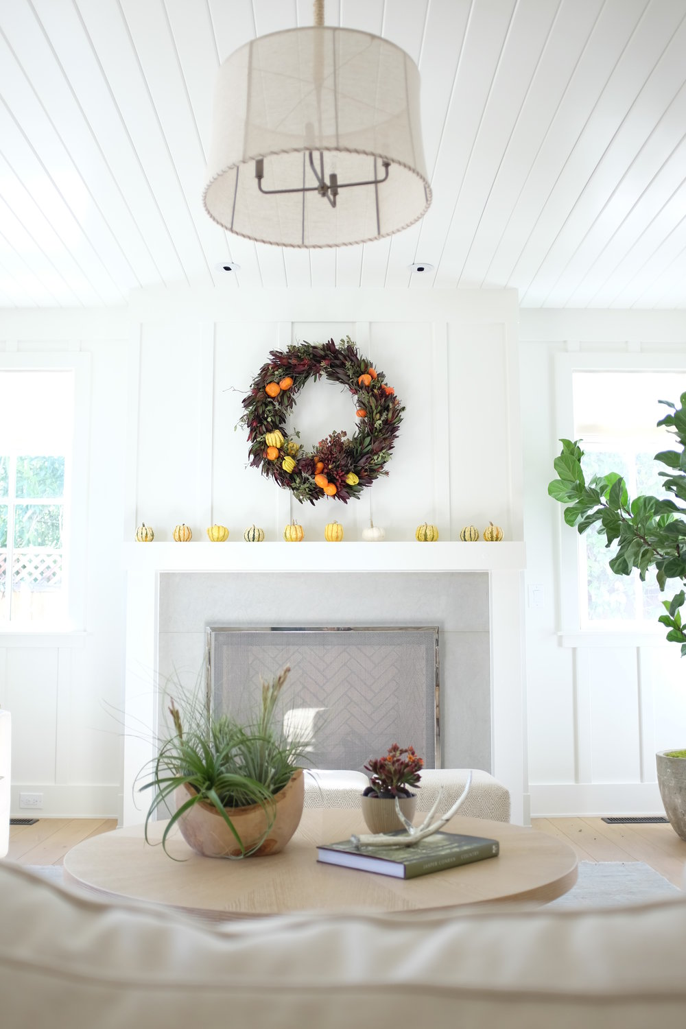 modern-holiday-decor-Brandon-Pruett.JPG