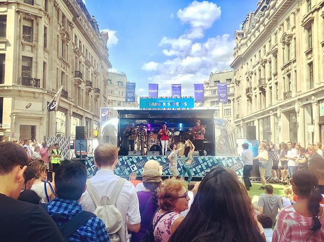 Hot hot hot in the city!! #summerstreets #latinvibes #regentstreet #airstreamstage #dasaudio