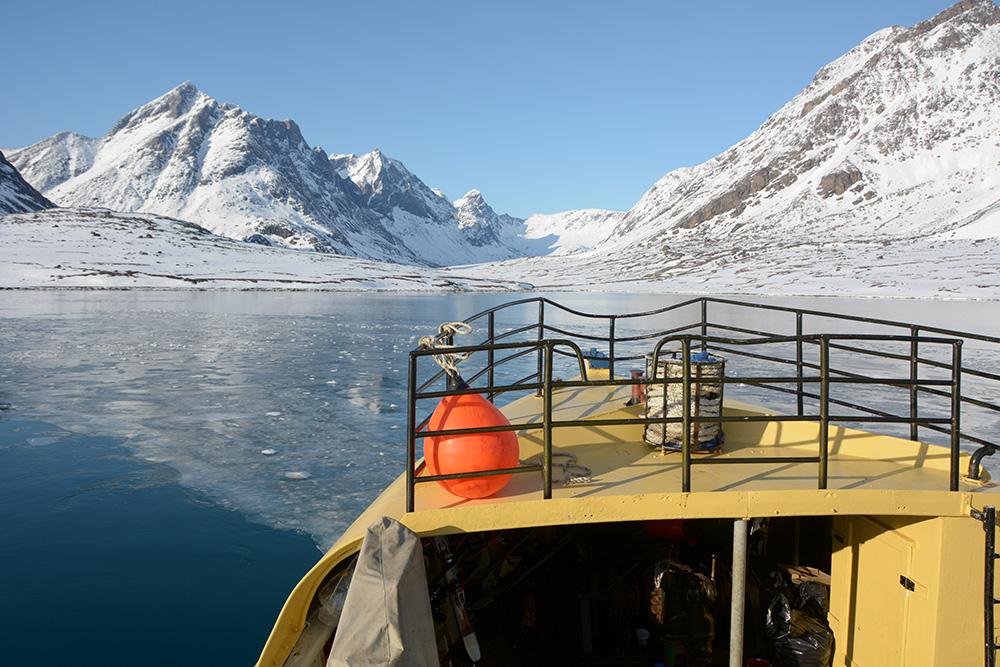powderbird-greenland-heli-skiing-ship-kisaq33.JPG