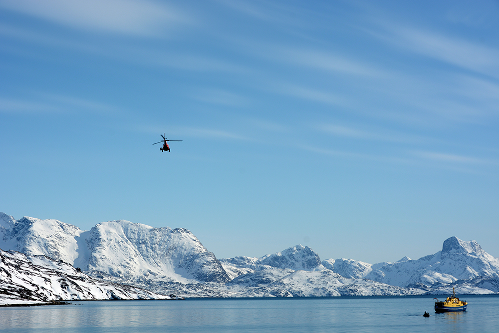 powderbird-greenland-heli-skiing-ship-kisaq29.JPG