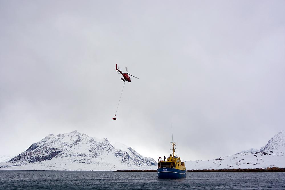 powderbird-greenland-heli-skiing-ship-kisaq26.JPG