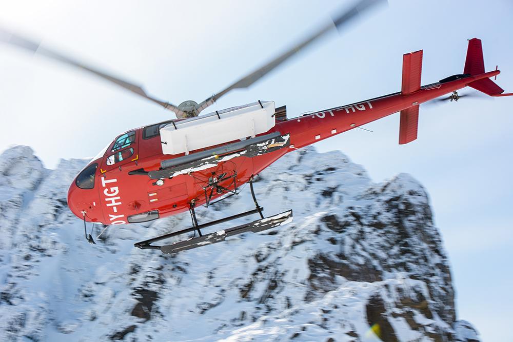 powderbird-greenland-heli-skiing11.jpg