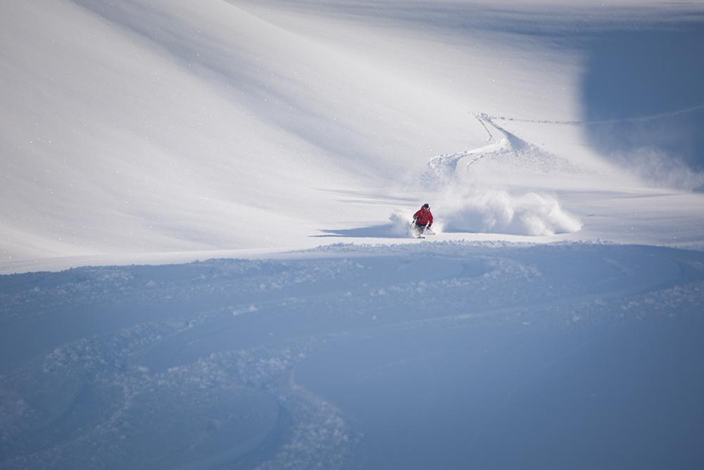 powderbird-greenland-heli-skiing25.jpg