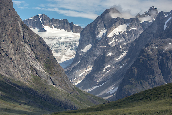 A view deep into one of the side valleys of the Tasermiut Fjord in South Greenland.jpg