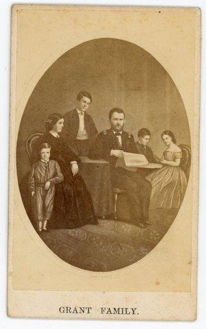 ULYSSES S GRANT FAMILY CDV