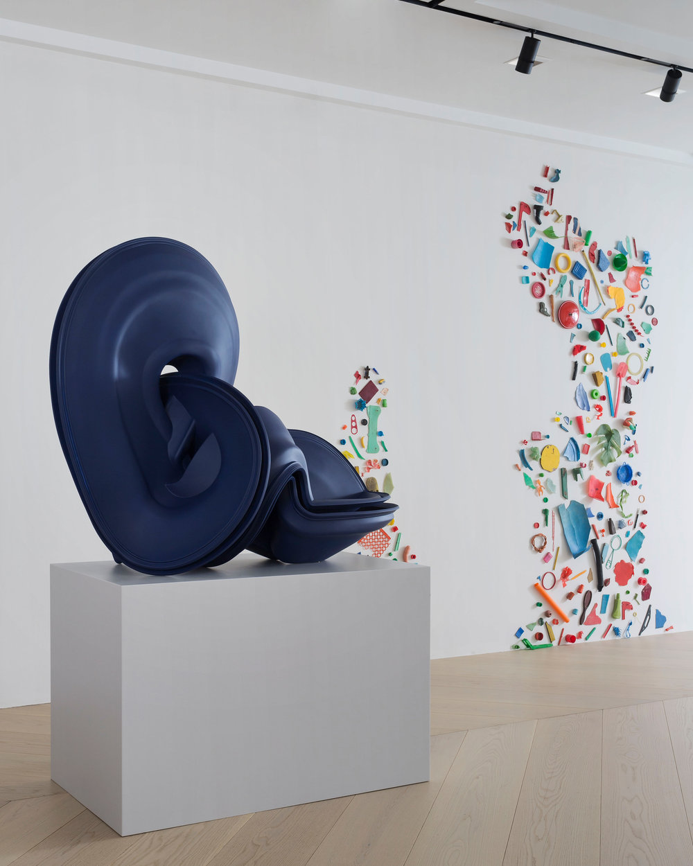 Tony Cragg Primary Colours_installation view 21.jpg