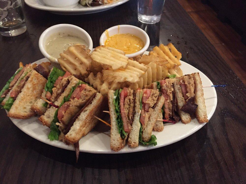 Chicago Diner - $$, Logan Square, Lakeview, Diner, Vegetarian, Vegan, Gluten-free, Patio Seating