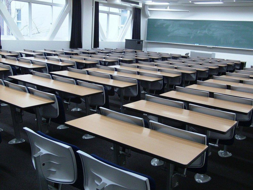 kansai-university-84363_1280.jpg