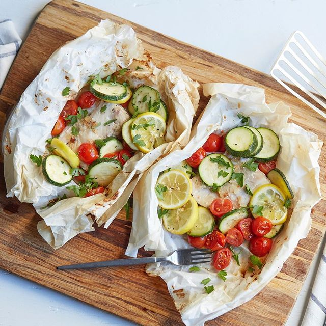 "This Herbed Mahi-Mahi Fish En Papillote recipe from @atkinsnutritionals is the definition of simple and easy cooking. ""En papillote"" is French for a cooking method called ""in parchment,"" a one-stop way of cooking that melds all sorts of wonderful flavors together. (Link in bio)"