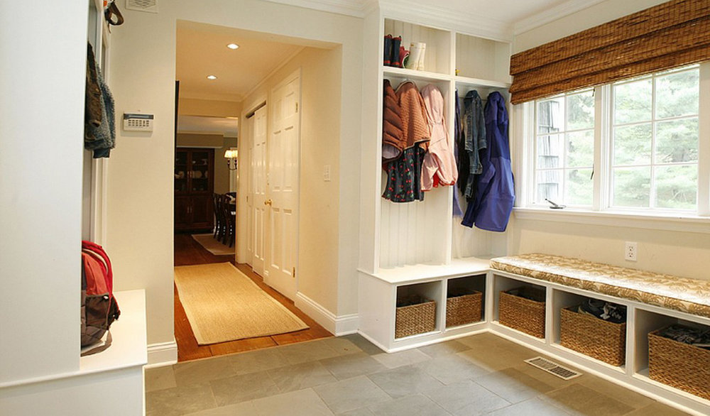 mudroom-windows-interior-remodeling-hallway.jpg
