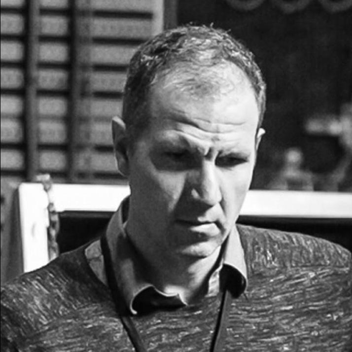 Nicolas Denhez   Senior Director of Industrial Design, Microsoft  Former Design Manager, Samsung Mobile