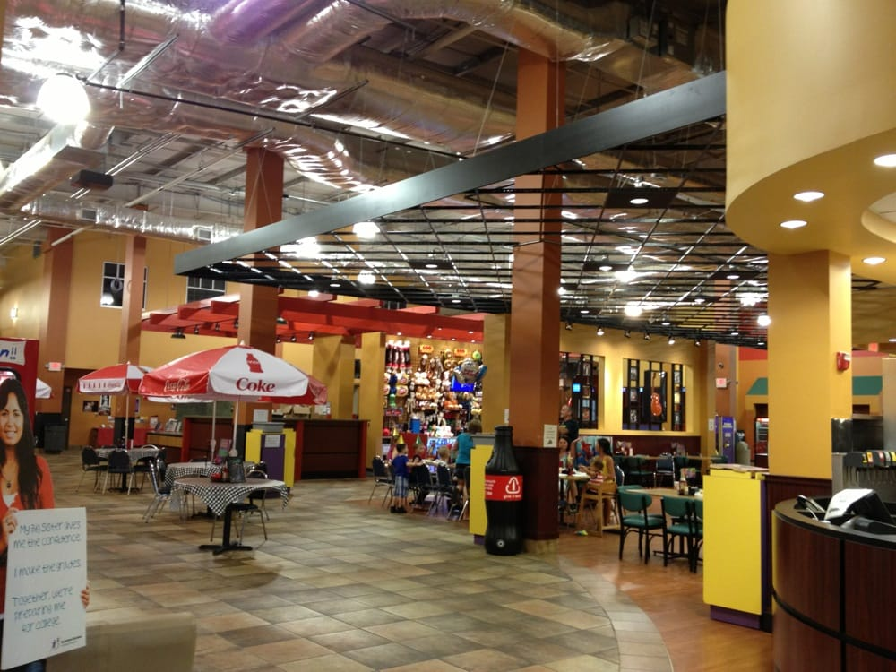 Main concourse at Circus World